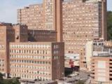 L'Hôpital général de Montréal, déménagé en 1955 sur l'avenue Cedar dans un ensemble architectural conçu par McDougall, Fleming et Smith.
