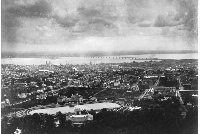 """""""Vue de Montréal depuis le mont Royal, QC, 1866""""."""