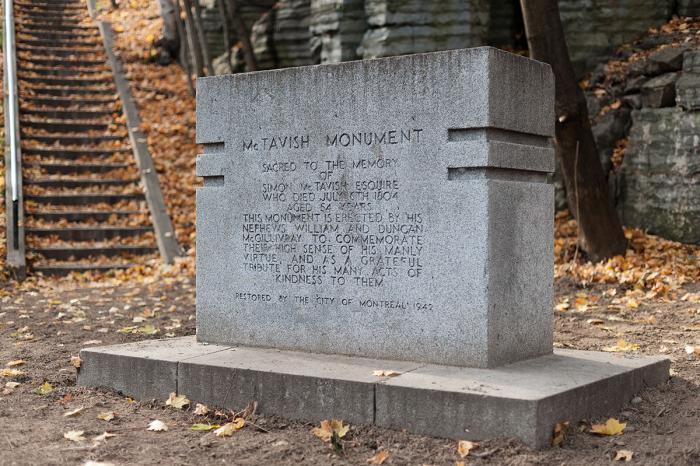 """""""Monument à Simon McTavish, 1804"""", 1943."""