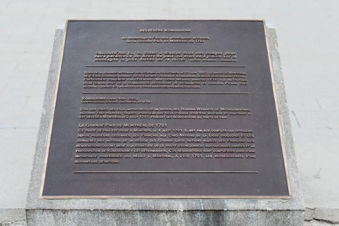 """Plaque """"Belvédère Kondiaronk"""", 1998."""