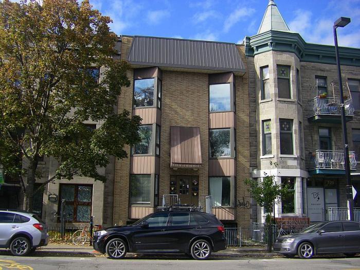 131-135, avenue du Mont-Royal Ouest