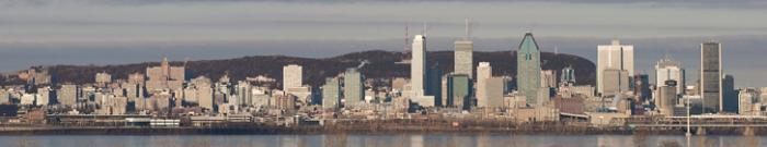 Le centre-ville de Montréal et le mont Royal.