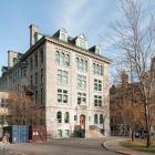 Élévations principale et latérale gauche du pavillon Macdonald-Harrington. Photographie.